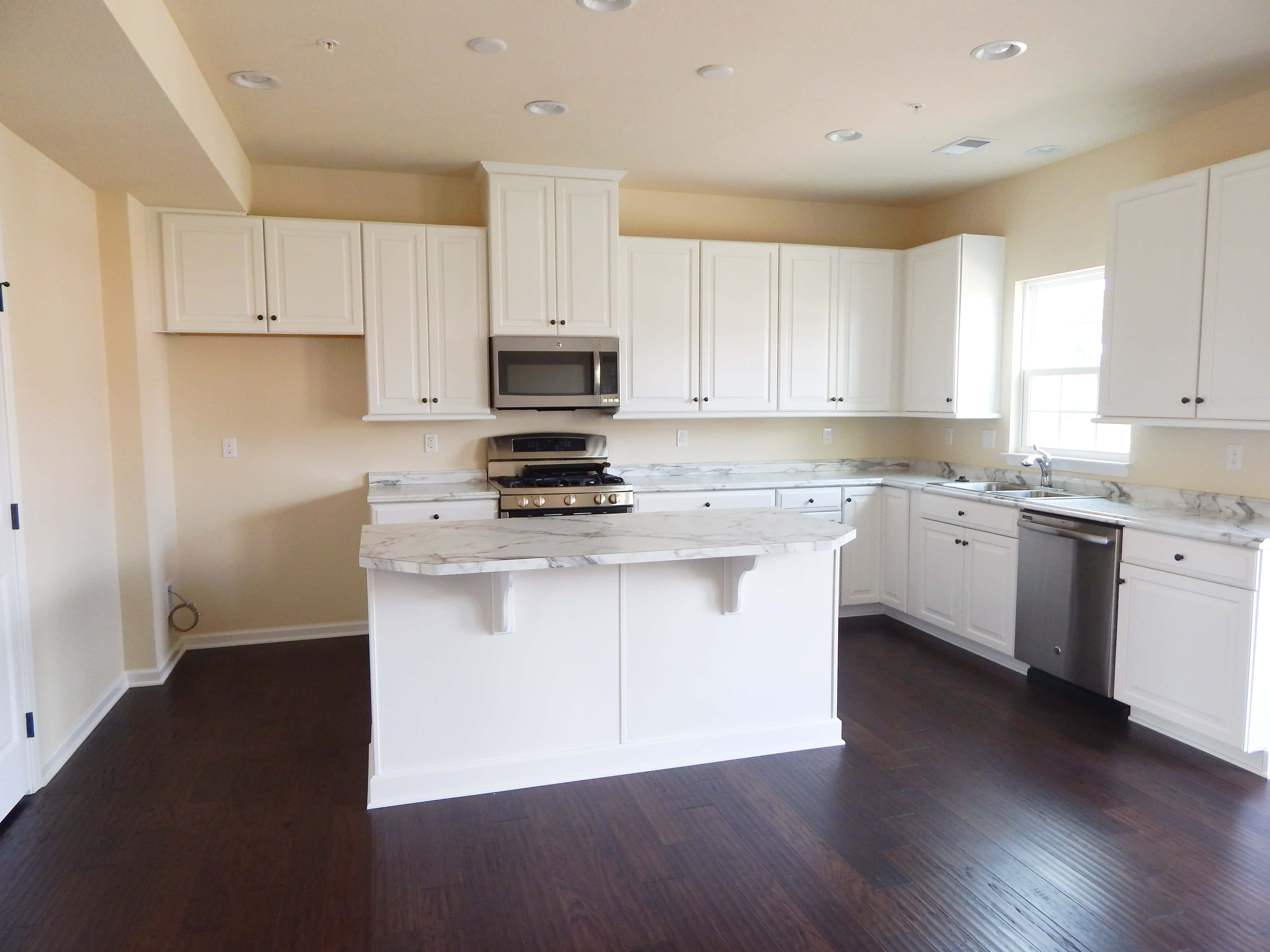 White Kitchen Main Level Ryan Homes Wexford