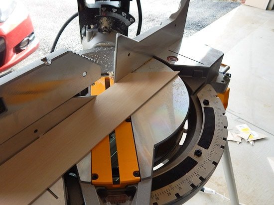 Cutting a 45 degree angle on Miter Saw
