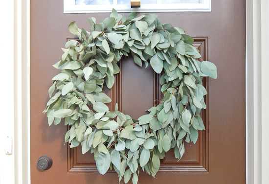 DIY Eucalyptus Wreath Tutorial-3