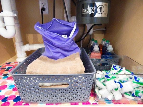 Organizing Under the Kitchen Sink L-14