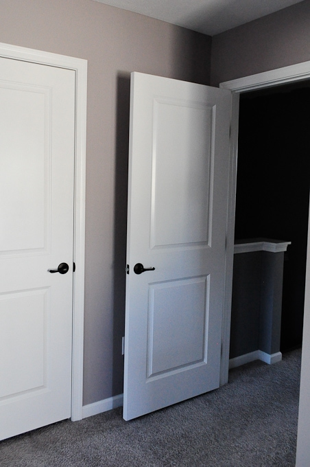 I love how this paint color looks in this room - this is London Coach by Valspar!
