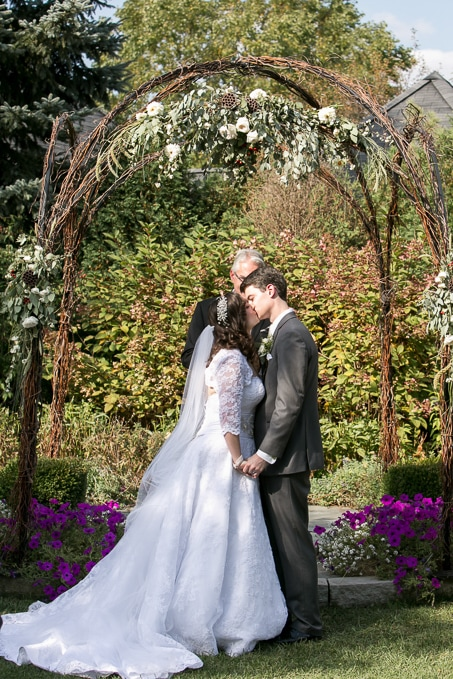 So many beautiful wedding pictures from this pretty fall wedding day.