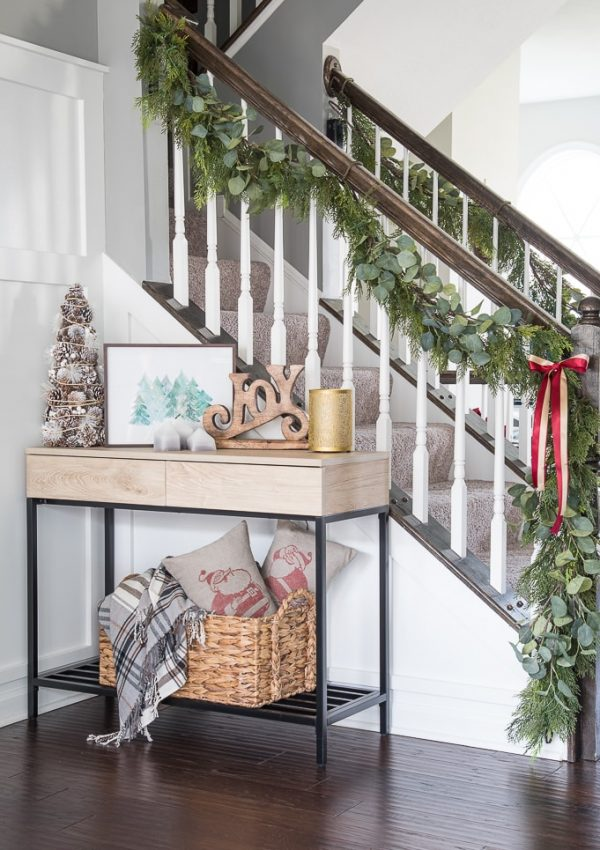 Simple Christmas Dining Room Tour {Jingle Through Decor Blog Hop}