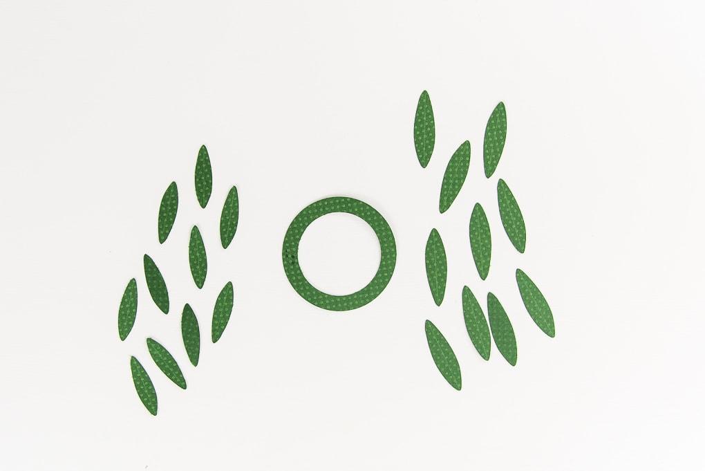 green wreath gift topper pieces cutout