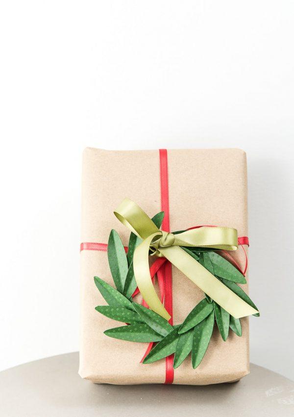 DIY Wreath Gift Topper