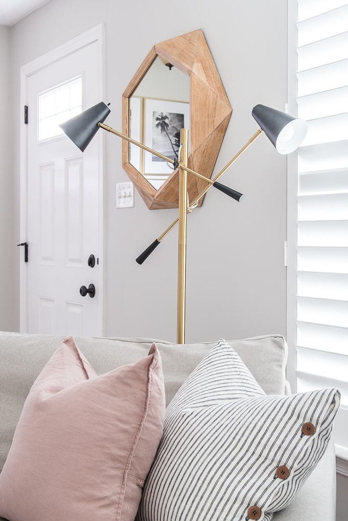 top of the Ella floor lamp from Brightech the best modern accent lamp