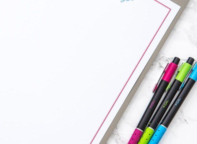 blank free printable brain dump worksheet with colorful pens