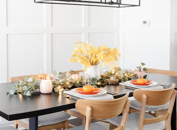 thanksgiving table decor centerpiece display
