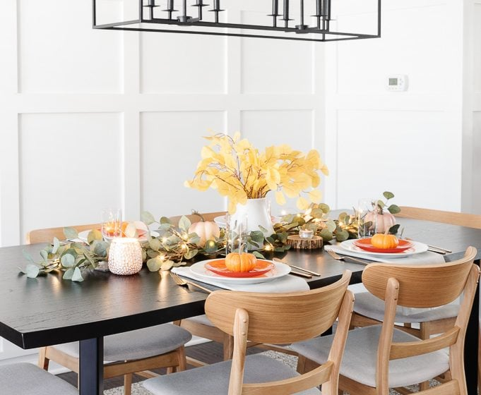 thanksgiving table decor centerpiece display